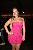 SAO PAULO, SP, 19, DE JANEIRO 2012 - SAO PAULO FASHION WEEK  - A atriz Geisy Arruda durante o primeiro dia de desfiles edição Outono-Inverno 2012, da São Paulo Fashion Week, na Bienal do Ibirapuera na regiao sul da capital paulista. (FOTO: UINY MIRANDA - NEWS FREE).