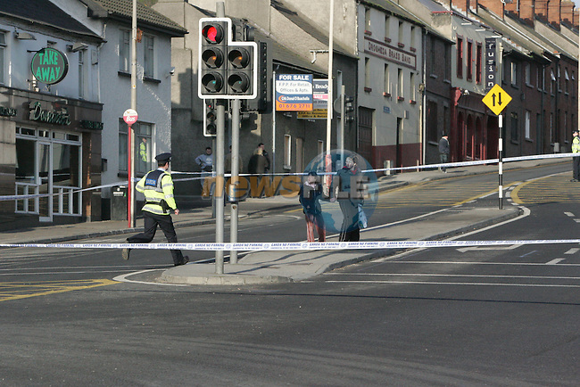 Garda seal off the old main Dublin to Belfast road in the centre of Drogheda shortly before lunch after a suspect device was found in Publin toilets at Georges Square. Traffic was diverted around the town for nearly three hours as army EOD delt with the device...Photo: Newsfile/Fran Caffrey.