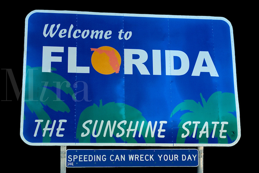 "Road sign reading ""Welcome to Florida ,the Sunshine State"