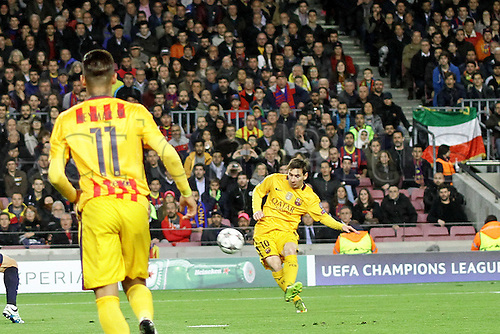 05.04.2016 Nou Camp, Barcelona, Spain. Uefa Champions League Quarter-finals 1st leg. FC Barcelona against Atletico de Madrid.  Messi in shooting action during the match