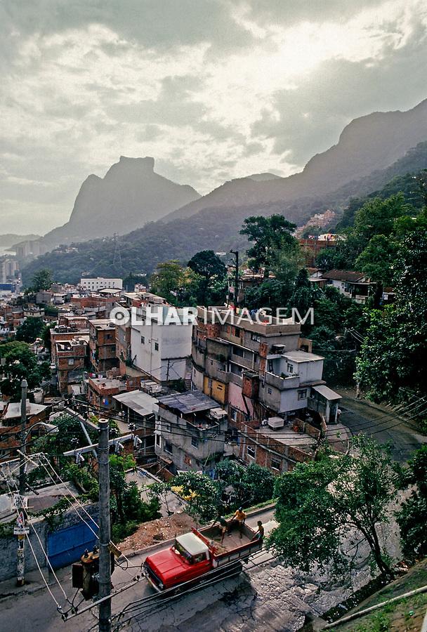 Favela da Rocinha, Rio de Janeiro. 1988. Foto de Juca Martins.