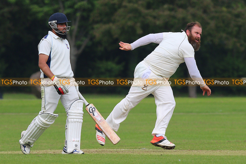 J Curtis in bowling action for Upminster during Upminster CC vs Harold Wood CC, Shepherd Neame Essex League Cricket at Upminster Park on 28th May 2016