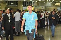 RIO DE JANEIRO, RJ, 16 JULHO 2012 - EMBARQUE SELECAO BRASILEIRA OLIMPICA - Tiago Silva da Selecao Brasileira Olimpica de Futebol, durante embarque para Londres, onde disputara as olimpiadas, no Galeao, Aeroporto Internacional do Rio de Janeiro, na Ilha do Governador no Rio de Janeiro, nesta segunda-feira, 16. (FOTO: MARCELO FONSECA / BRAZIL PHOTO PRESS).