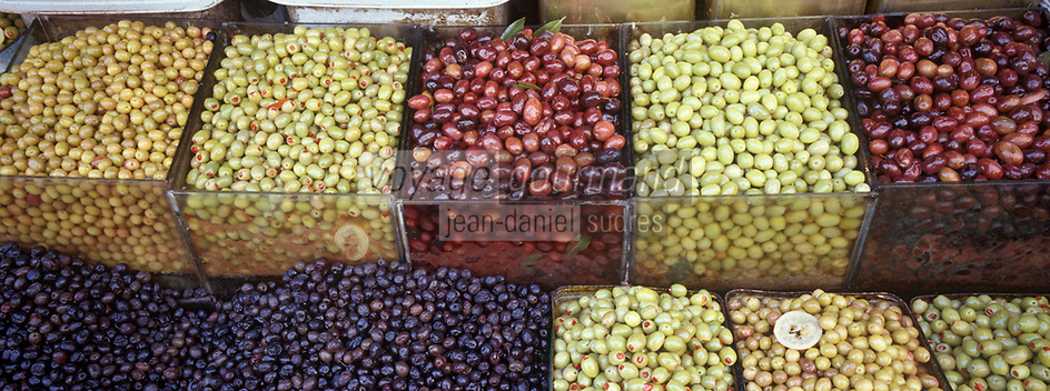 "Europe/Turquie/Istanbul : Bazar aux épices ""Misir Carsisi"" - Olives"