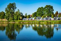 Germany, Bavaria, Lower Franconia, Albertshofen: campsite for mobile homes along river Main | Deutschland, Bayern, Unterfranken, Albertshofen: Wohnmobilhafen (Stellplatz fuer Wohnmobile) direkt am Main, eine kleine Auto- und Personenfaehre verbindet Albertshofen mit Mainstockheim