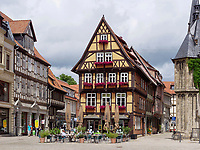 Markt mit Fachwerkh&auml;usern, Quedlinburg, Sachsen-Anhalt, Deutschland, Europa, UNESCO-Weltkulturerbe<br /> halftimbered houses at Markt sqare in Quedlinburg, Saxony-Anhalt, Germany, Europe, UNESCO World Heritage