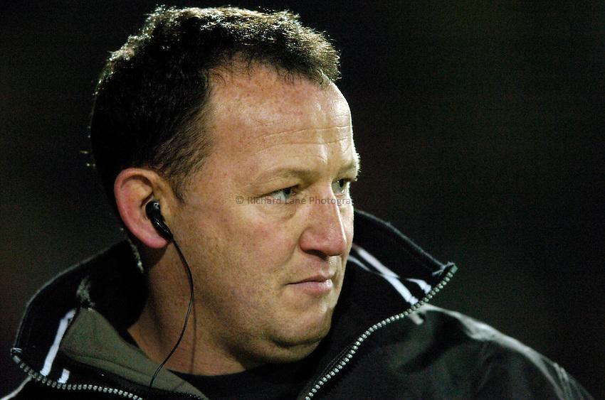 Photo: Richard Lane..Saracens v NEC Harlequins. Zurich Premiership. 26/12/2004..Saracens coach, Steve Diamond.