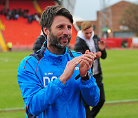 Lincoln City manager Danny Cowley  applauds the fans after the victory<br /> <br /> Photographer Andrew Vaughan/CameraSport<br /> <br /> Vanarama National League - Gateshead v Lincoln City - Monday 17th April 2017 - Gateshead International Stadium - Gateshead <br /> <br /> World Copyright &copy; 2017 CameraSport. All rights reserved. 43 Linden Ave. Countesthorpe. Leicester. England. LE8 5PG - Tel: +44 (0) 116 277 4147 - admin@camerasport.com - www.camerasport.com