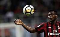 Calcio, Serie A: Milano, stadio Giuseppe Meazza (San Siro), 1 ottobre 2017.<br /> Milan's Franck Kessié in action during the Italian Serie A football match between Milan and AS Roma at Milan's Giuseppe Meazza (San Siro) stadium, October 1, 2017.<br /> UPDATE IMAGES PRESS/IsabellaBonotto