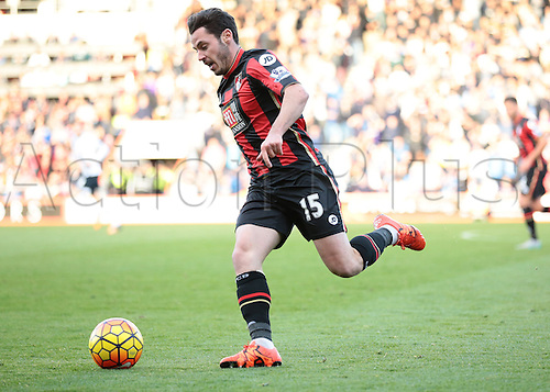 25.10.2015. Vitality Stadium, Bournemouth, England. Barclays Premier League. Bournemouth versus Tottenham Hotspur.  Adam Smith of Bournemouth on the ball