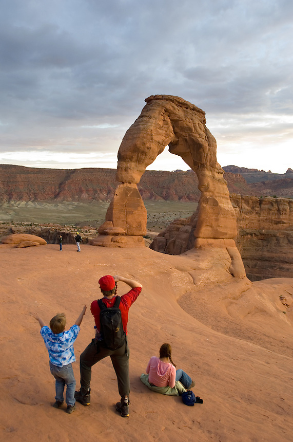 Connor Duerre-Ekstrom, 5, beholds the Delicate Arch whil father Todd Ekstrom, of Maplewood, Minn., makes a picture at Arches National Park near Moab, Utah, Saturday, May 7, 2005.<br /><br />(Kevin Moloney for the New York Times)