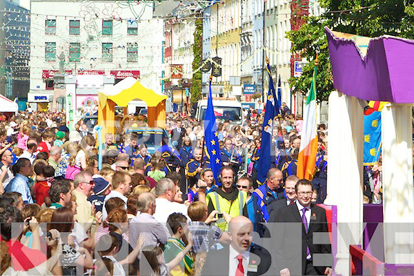 The Rose of Tralee parade moves through Tralee on Sunday.