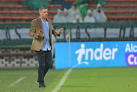 MEDELLIN - COLOMBIA, 19-05-2019: Lucas Pusineri técnico de Cali gesticula durante partido entre Atlético Nacional y Deportivo Cali por la fecha 3, cuadrangulares semifinales, de la Liga Águila I 2019 jugado en el estadio Atanasio Girardot de la ciudad de Medellín. / Lucas Pusineri coach of Cali gestures during match between Atletico Nacional and Deportivo Cali for the date 3, semifinal quadrangulars, of the Liga Aguila I 2019 played at the Atanasio Girardot Stadium in Medellin city. Photo: VizzorImage / Leon Monsalve / Cont
