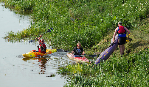 26 MAY 2013 - BRIGG, GBR - Competitors start the kayak leg of the 2013 Brigg Bomber Quadrathlon, a World Quadrathlon Federation World Cup round and the British Championships, held in Brigg in Lincolnshire, Great Britain (PHOTO (C) 2013 NIGEL FARROW)