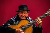 Tango musician, Caminito, La Boca, Buenos Aires, Argentina
