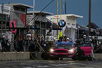 #40 PF Racing Ford Mustang GT4, GS: James Pesek, Jade Buford, Pit Stop