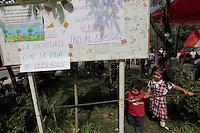 Vecinos resisten en el Parque Reforma Social