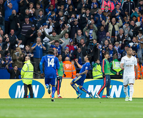 24.04.2016. King Power Stadium, Leicester, England. Barclays Premier League. Leicester versus Swansea.  Leicester City striker Leonardo Ulloa celebrates after scoring from a header in the 30th minute (2-0).