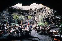 Spain, Canary Island, Lanzarote: Jameos del Agua, Restaurant in subterranean cavern | Spanien; Kanarische Inseln; Lanzarote: Jameos del Agua, Kunst- und Kulturzentrum in der Gemeinde Haria; Hoehlen-Restaurant