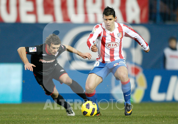 Atletico de Madrid's Kun Aguero against Athletic de Bilbao's Koikili del Campo during La Liga match. January 30, 2011. (ALTERPHOTOS/Alvaro Hernandez).