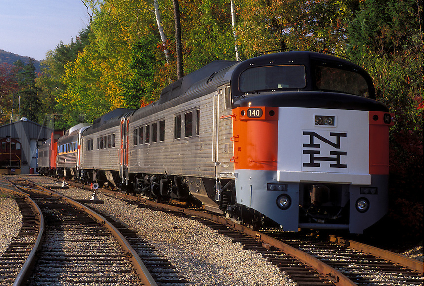 NH, train, Lincoln, New Hampshire, White Mountain National Forest, Hobo Scenic Railroad train in Lincoln in the White Mountain Nat'l Forest.