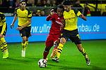 10.11.2018, Signal Iduna Park, Dortmund, GER, 1.FBL, Borussia Dortmund vs FC Bayern M&uuml;nchen, DFL REGULATIONS PROHIBIT ANY USE OF PHOTOGRAPHS AS IMAGE SEQUENCES AND/OR QUASI-VIDEO<br /> <br /> im Bild | picture shows:<br /> Zweikampf zwischen Renato Sanches (Bayern #35) und Mahmoud Dahoud (Borussia Dortmund #19), <br /> <br /> Foto &copy; nordphoto / Rauch