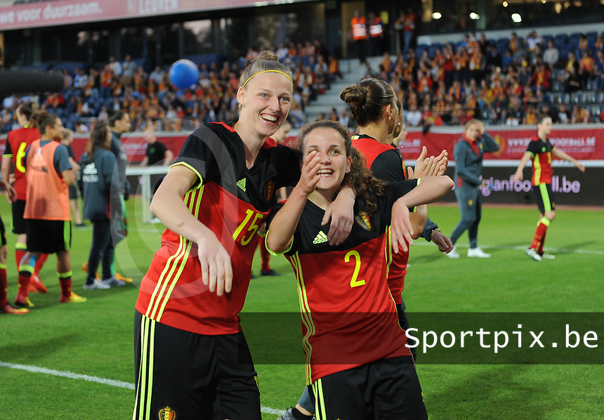 20170613 - LEUVEN ,  BELGIUM : Belgian Yana Daniels (L) and Davina Philtjens (R) greeting their fans pictured after the female soccer game between the Belgian Red Flames and Japan , a friendly game before the European Championship in The Netherlands 2017  , Tuesday 13 th Juin 2017 at Stadion Den Dreef  in Leuven , Belgium. PHOTO SPORTPIX.BE | DIRK VUYLSTEKE