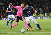 BOGOTÁ - COLOMBIA, 22-07-2018:Matias De Los Santos (Der.) jugador de Millonarios disputa el balón con Diego Valdes (Izq.) jugador del  Boyacá Chicó durante partido por la fecha 1 de la Liga Águila II 2018 jugado en el estadio Nemesio Camacho El Campín de la ciudad de Bogotá. /Matias De Los Santos (R) player of Millonarios  fights for the ball with Diego Valdes (L) player of Boyaca Chico during the match for the date 1 of the Liga Aguila II 2018 played at the Nemesio Camacho El Campin Stadium in Bogota city. Photo: VizzorImage / Felipe Caicedo / Staff.