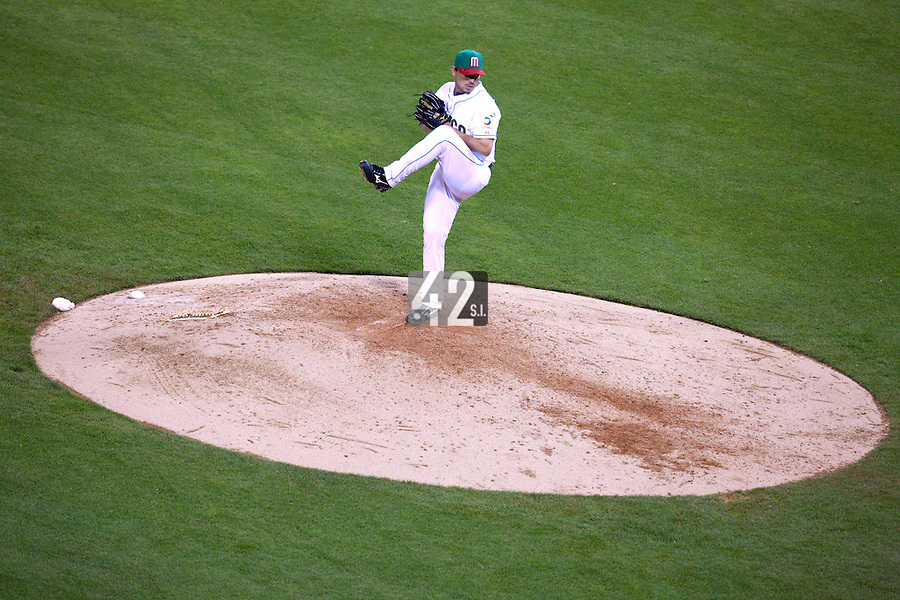 16 March 2009: #29 Pablo Ortega of Mexico pitches against Cuba during the 2009 World Baseball Classic Pool 1 game 3 at Petco Park in San Diego, California, USA. Cuba wins 7-4 over Mexico.