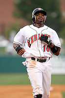 June 2, 2007:  Rajai Davis of the Indianapolis Indians at Victory Field in Indianapolis, IN.  Photo by:  Chris Proctor/Four Seam Images