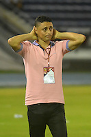 BARRANQUILLA  -COLOMBIA, 3-11-2016. Giovanni Hernandez director tecnico del Junior contra Millonarios    durante encuentro  por la fecha 15 de la Liga Aguila II 2016 disputado en el estadio Metropolitano Roberto Meléndez ./ Giovanni Hernadez coach of Junior  aganst of  Millonarios  during match for the date 15 of the Aguila League II 2016 played at Metropolitano Roberto Melendez stadium . Photo:VizzorImage / Alfonso Cervantes  / Contribuidor
