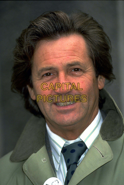 MELVYN BRAGG.Ref: 163.headshot, portrait.*RAW SCAN - photo will be adjusted for publication*.www.capitalpictures.com.sales@capitalpictures.com.© Capital Pictures