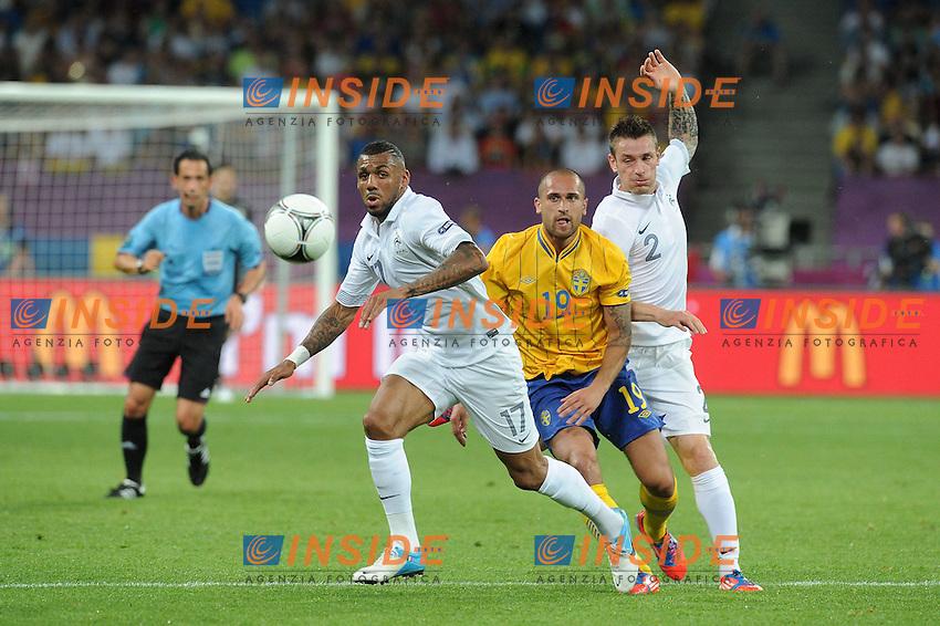 Yann M'Vila et Mathieu Debuchy (France).Emir Bajrami (Suede) .Kiev 19/6/2012 .Calcio Football Euro 2012.Francia Vs Svezia.Foto Insidefoto / Panoramic.Italy ONLY