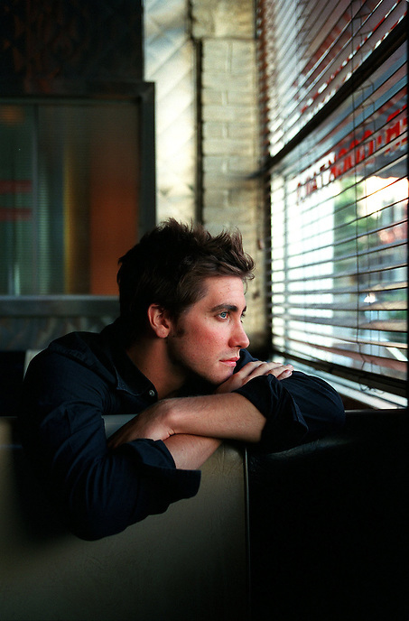 Screen actor JAKE GYLLENHAAL.  His new film is MOONLIGHT MILE. .Bowery Bar.40 E. 4th St., NYC .Newsday/ARI MINTZ   9/12/02