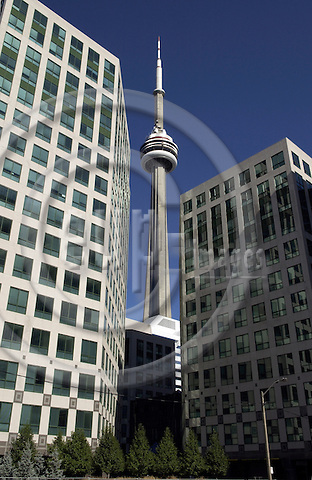 Toronto, Ontario, Canada - 07 August 2006 -- CN Tower and new office buildings -- landmark, infrastructure, architecture -- Photo: Horst Wagner / eup-images