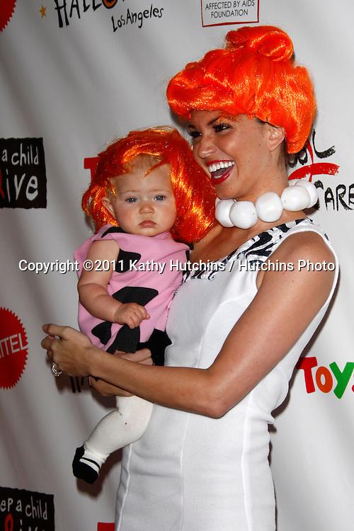 LOS ANGELES - OCT 29:  Melissa Ryecroft, daughter Ava arriving at the 18th Annual 'Dream Halloween Los Angeles' at Barker Hanger on October 29, 2011 in Santa Monica, CA