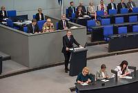 Debatte im Deutschen Bundestag am Donnerstag den 19. April 2018 zum Thema Jahresberichte 2016 und  2017 des Wehrbeauftragten.<br /> Im Bild: Gerold Otten, Abgeordneter der rechtsnationalistischen &quot;Alternative fuer Deutschland&quot;, AfD, spricht zu den Jahresberichten. Er kritisiert, dass die Bundeswehr zu einem normalen Arbeitgeber geworden sei und die Verpfichtung im Einsatzfall fuer sein Vaterland zu sterben und die soldatischen Tugenden wie Ehre, Treue keine Rolle mehr spielen wuerde.<br /> 19.1.2018, Berlin<br /> Copyright: Christian-Ditsch.de<br /> [Inhaltsveraendernde Manipulation des Fotos nur nach ausdruecklicher Genehmigung des Fotografen. Vereinbarungen ueber Abtretung von Persoenlichkeitsrechten/Model Release der abgebildeten Person/Personen liegen nicht vor. NO MODEL RELEASE! Nur fuer Redaktionelle Zwecke. Don't publish without copyright Christian-Ditsch.de, Veroeffentlichung nur mit Fotografennennung, sowie gegen Honorar, MwSt. und Beleg. Konto: I N G - D i B a, IBAN DE58500105175400192269, BIC INGDDEFFXXX, Kontakt: post@christian-ditsch.de<br /> Bei der Bearbeitung der Dateiinformationen darf die Urheberkennzeichnung in den EXIF- und  IPTC-Daten nicht entfernt werden, diese sind in digitalen Medien nach &sect;95c UrhG rechtlich geschuetzt. Der Urhebervermerk wird gemaess &sect;13 UrhG verlangt.]