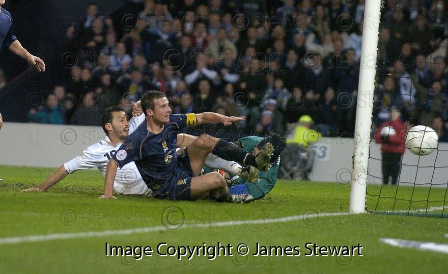 17/11/2007      Copyright Pic: James Stewart.File Name : sct_jspa04_scotland_v_italy.BARRY FERGUSON SCORES SCOTLAND'S GOAL.James Stewart Photo Agency 19 Carronlea Drive, Falkirk. FK2 8DN      Vat Reg No. 607 6932 25.Office     : +44 (0)1324 570906     .Mobile   : +44 (0)7721 416997.Fax         : +44 (0)1324 570906.E-mail  :  jim@jspa.co.uk.If you require further information then contact Jim Stewart on any of the numbers above........