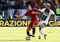 Calcio, Serie A: Roma vs Udinese. Roma, stadio Olimpico, 23 settembre 2017.<br /> Roma&rsquo;s Kevin Strootman, left, is challenged by Udinese&rsquo;s Valon Behrami during the Italian Serie A football match between Roma and Udinese at Rome's Olympic stadium, 23 September 2017. Roma won 3-1.<br /> UPDATE IMAGES PRESS/Riccardo De Luca