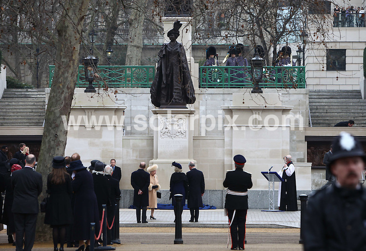 **ALL ROUND PICTURES FROM SOLARPIX.COM**.**NO UK NEWSPAPER PUBLICATION**.**UK MAGAZINE & SUPPLEMENT PUBLICATION ONLY** AND NO PUBLICATION IN AUSTRALIA, FRANCE, GERMANY, ITALY AND SCANDINAVIA** .A national monument to the Queen Mother was unveiled by Queen Elizabeth II on The Mall in central London this afternoon. Sculptor Philip Jackson created the statue, which portrays the Queen Mother in her younger days wearing Order of the Garter robes, and it sits underneath a statue of her husband King George VI. London, UK. 24 February 2009..This pic: Queen Mother Statue..JOB REF: 8544 SFE       DATE: 24_02_2009.**MUST CREDIT SOLARPIX.COM OR DOUBLE FEE WILL BE CHARGED**.**ONLINE USAGE FEE  GBP 50.00 PER PICTURE - NOTIFICATION OF USAGE TO PHOTO @ SOLARPIX.COM**