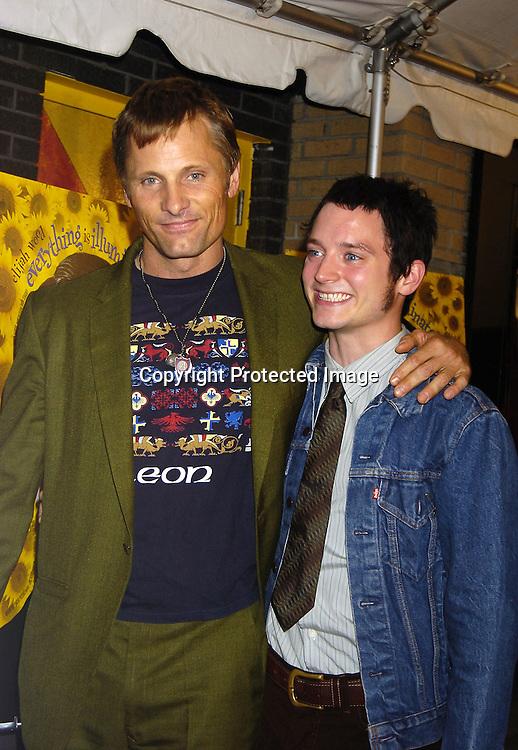 0319 Viggo Mortensen and Elijah Wood.jpg | Robin Platzer ...