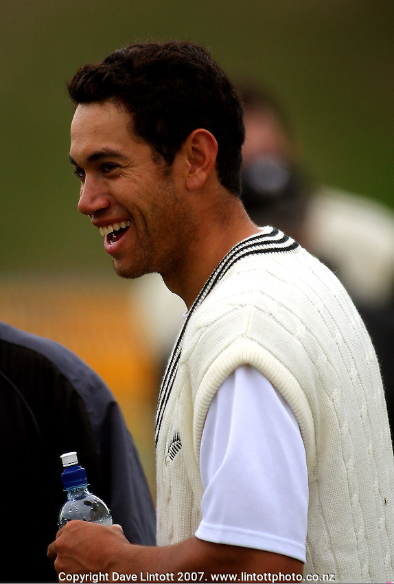 Ross Taylor during the Black Caps nets practice in the build-up for the National Bank Test Match Series second test between New Zealand Black Caps and England at the Allied Prime Basin Reserve,Wellington, New Zealand on Tuesday, 11 March 2008. Photo: Dave Lintott / lintottphoto.co.nz
