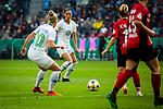 01.05.2019, RheinEnergie Stadion , Köln, GER, DFB Pokalfinale der Frauen, VfL Wolfsburg vs SC Freiburg, DFB REGULATIONS PROHIBIT ANY USE OF PHOTOGRAPHS AS IMAGE SEQUENCES AND/OR QUASI-VIDEO<br /> <br /> im Bild | picture shows:<br /> Sara Bjoerk Gunnarsdottir (VfL Wolfsburg #7) fokussiert sich auf den Ball, <br /> <br /> Foto © nordphoto / Rauch