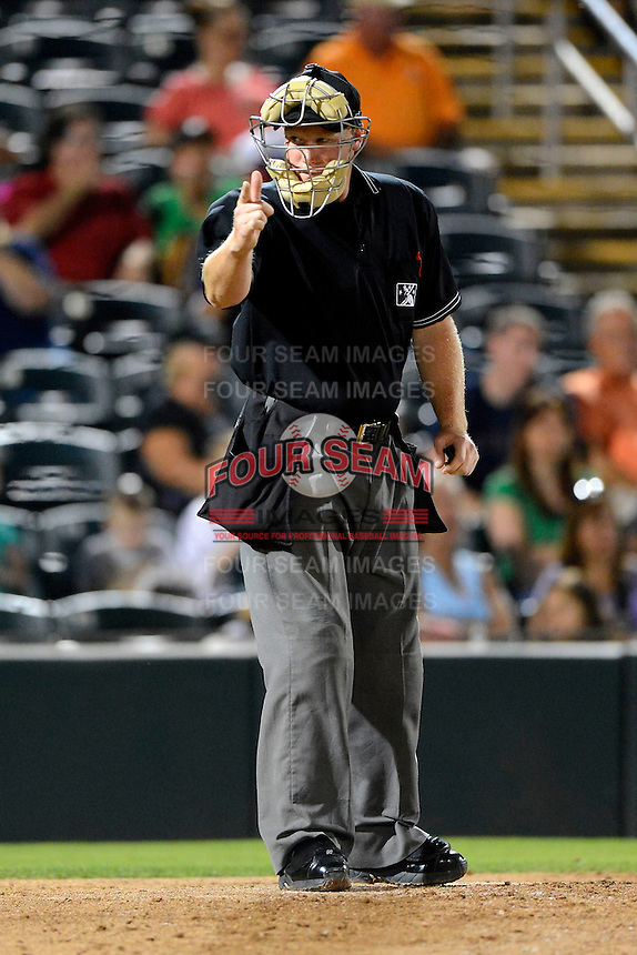 Umpire James Rackley during a game between the Fort Myers Miracle and Jupiter Hammerheads on April 9, 2013 at Hammond Stadium in Fort Myers, Florida.  Fort Myers defeated Jupiter 1-0.  (Mike Janes/Four Seam Images)