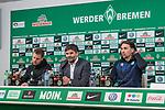 11.02.2018, Weserstadion, Bremen, GER, 1.FBL, SV Werder Bremen vs VfL Wolfsburg<br /> <br /> im Bild<br /> &Uuml;bersicht, Florian Kohfeldt (Trainer SV Werder Bremen), Michael Rudolph (Direktor Kommunikation Werder Bremen), Martin Schmidt (Trainer / Cheftrainer VfL Wolfsburg) bei PK / Pressekonferenz nach dem Spiel, <br /> <br /> Foto &copy; nordphoto / Ewert