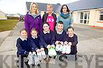 Get your walking shoes on in aid of Scoil Bhreanainn, Portmagee.  The parents Council are organising a 5/10k Walk/Run to raise funds for the school, pictured here front l-r; Charlotte Hulme, Ríona Moran, Tara Riordan, Lukas Paulaskaus, Gavin Reardon, back l-r; Ann Maria O'Sullivan(Secretary Parents Council), Lisa O'Connor(Chairperson Parents Council) & Karen Stenson(Principal).