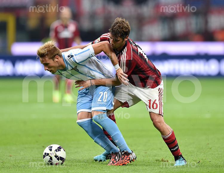 FUSSBALL INTERNATIONAL   SERIE A   SAISON  2014/2015   01. Spieltag AC Mailand - Lazio Rom                      31.08.2014 Andrea Poli (re, AC Mailand) gegen Lucas Biglia (li, Lazio)