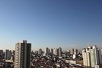 SÃO PAULO, SP, 22/02/2013, CLIMA TEMPO. A Sexta-feira amanheceu com muito sol, céu sem nuvens, a temperatura pode chegar aos 30ºC, com previsão de chuvas no final de tarde.  Luiz Guarnieri/ Brazil Photo Press