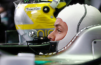 SAO PAULO, SP, 23.11.2013 - F1 - TREINOS LIVRES -  O piloto alemao Nico Rosberg da equipe Mercedes GP, durante o treino livre deste sábado (23) para o Grande Prêmio do Brasil de Fórmula 1, no autódromo de Interlagos, na zona sul de São Paulo. O treino de classificação para a corrida, que ocorre amanhã, começa hoje a partir das 14h. (Foto: Lukas Gorys / Brazil Photo Press).