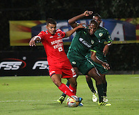 disputa el balón Elvis Mosquera  de  La Equidad durante encuentro  por la fecha 14 de la Liga Aguila II 2016 disputado en el estadio Metropolitano de Techo./ Jhon Duque player of  Fortaleza  fights the ball against   Elvis Mosquera  Equidad  during match for the date 14 of the Aguila League II 2016 played at Nemesio Camacho El Campin stadium . Photo:VizzorImage / Felipe Caicedo  / Staff
